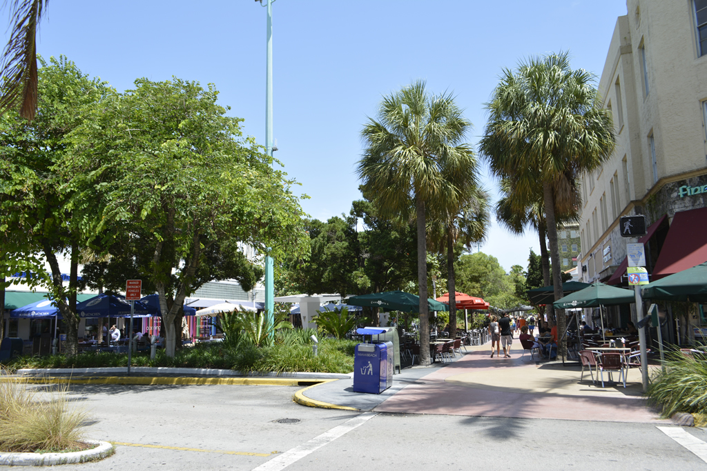 Lincoln Rd East