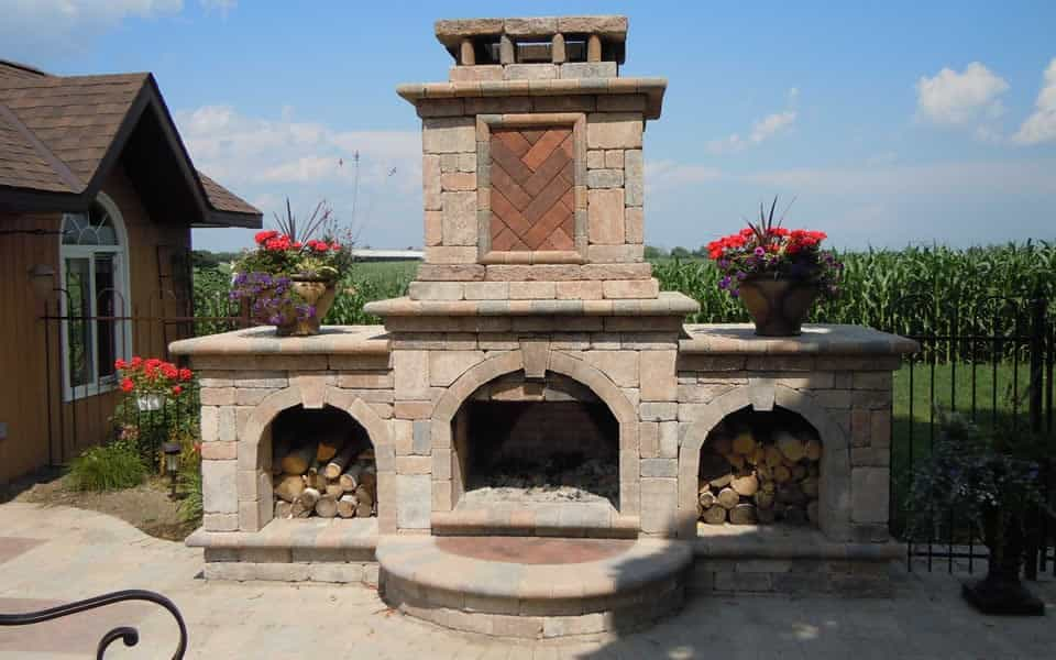 Interlock Outdoor Fireplace feature