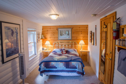 Bedrm-Clarkcove-Riverside-Room-1ps