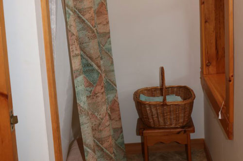 Bedrm-Shared-Washroom-4ps