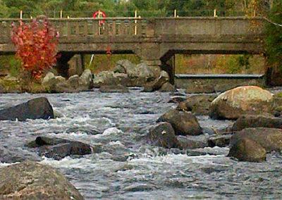 fall-on-the-rocks