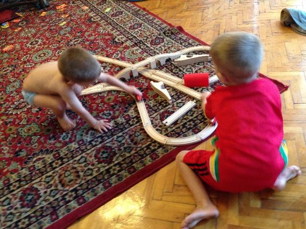 02-a long train track