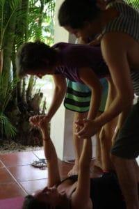 supporting-acro-yoga-img_3844