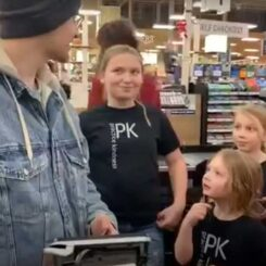 Random Act Of Kindness #117 | Holiday Shopping Surprise