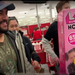 Random Act Of Kindness #118 | Holiday Shopping Surprise