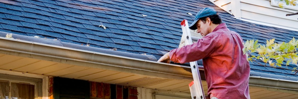 Cleaning Roof | Winterize Your Home Checklist 2018