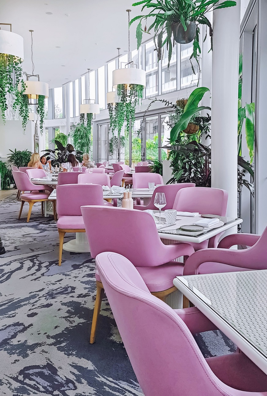 Most beautiful cafes and restaurants in Sydney, pink chairs