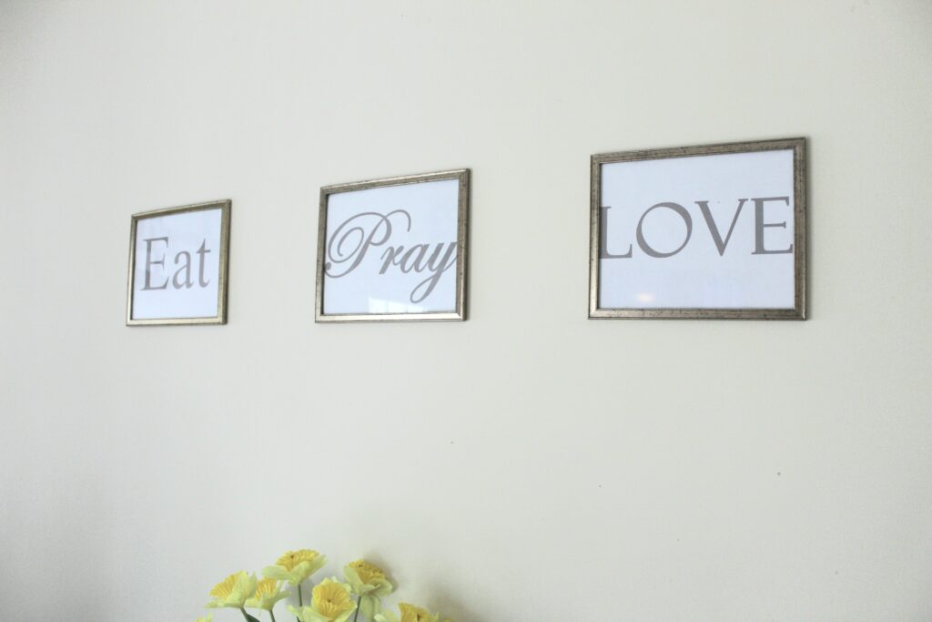 DIY Dollar Tree wall decor