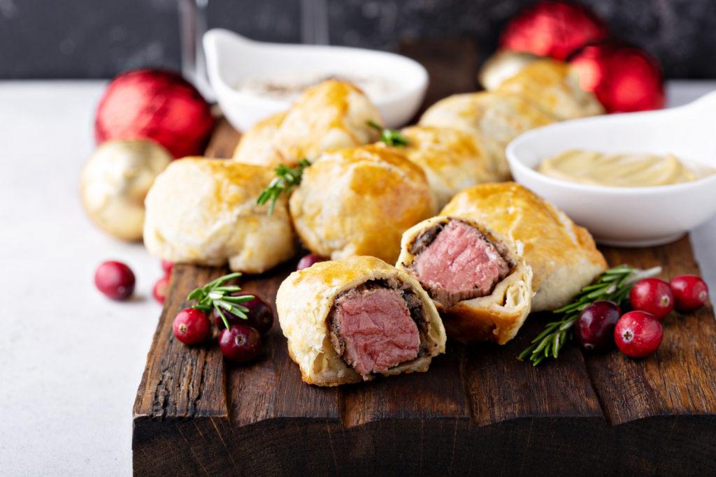 Mini-Beef-Wellingtons-with-Horseradish-Cream-Holiday-Entertaining-Foodie-Food-blogger-eatingwitherica-individual-beef-wellington-holiday-recipes-idea-atlanta-holiday-atlanta-recipes-eating-with-erica-foodie-fox5