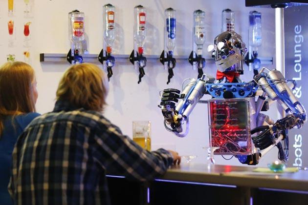 智能機械來襲 機器人調的雞尾酒 喝了嗎