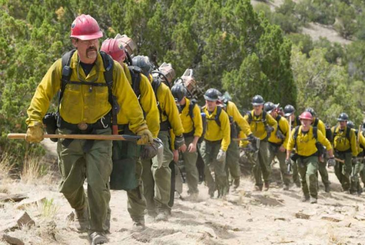 "Review: ""Only the Brave""  a realistic look at 19 heroes' lives and deaths"