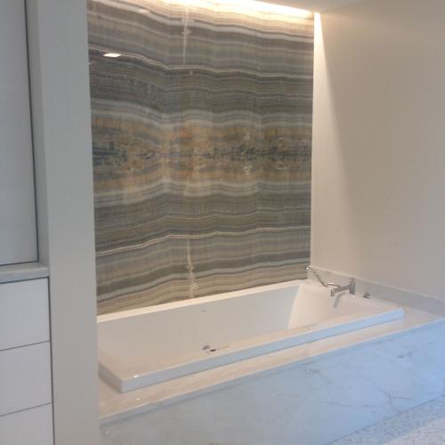 Cremo Delicato Marble Bath Wall