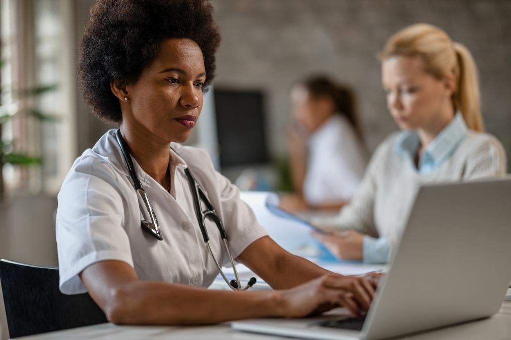 hedis nurse entering digital medical data 2020