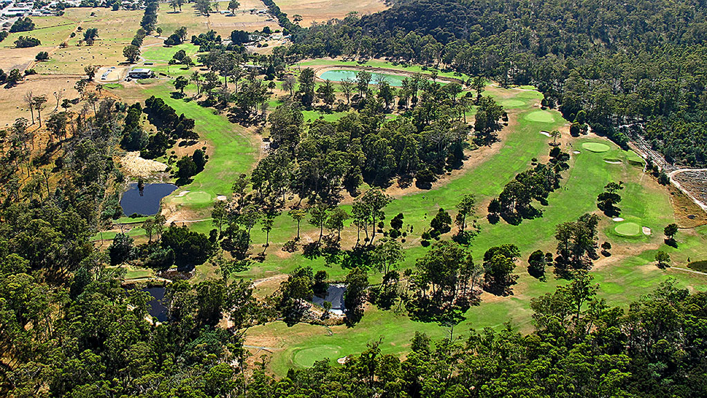 exeter golf club looking east