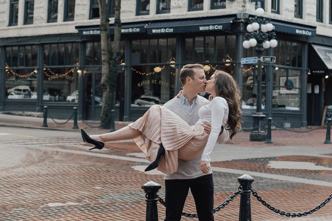 Spotlight: Engagement Photoshoot with Janelle Saccucci & @PhotosbyLees   Prép Beauty Parlour