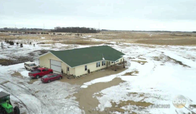 Owners of ranch where missing Rucki sisters lived violate court order to leave property