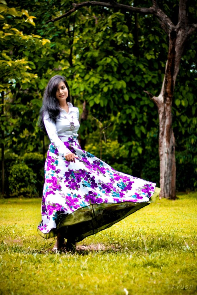 How to style a floral skirt