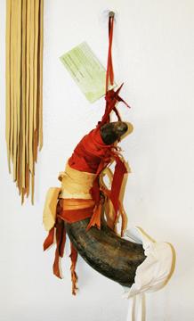 Horn Rattle