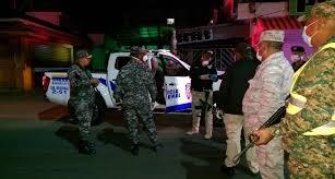 Autoridades arrestan 2,102 personas en segundo día toque de queda ...