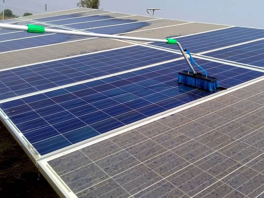 California Solar Panel Cleaning and Washing Services