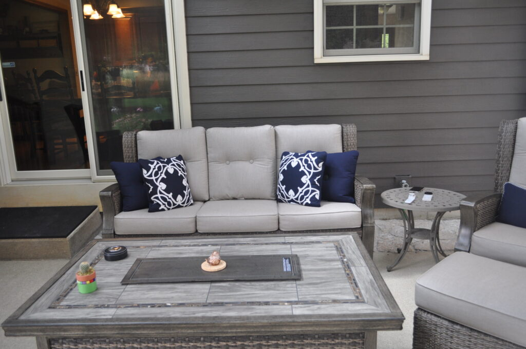 Patio Furniture in Screen Room