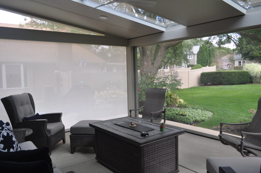 Screen room and patio furniture