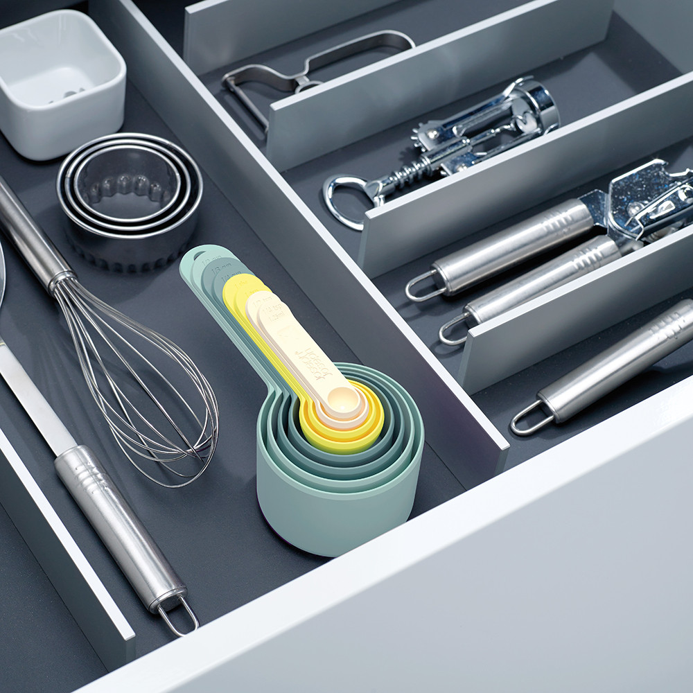 Kitchen Utensils to have in the home, measuring cups