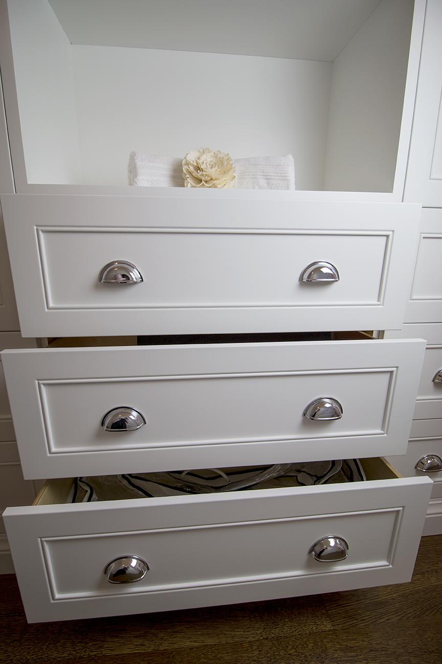 Linen Closet4