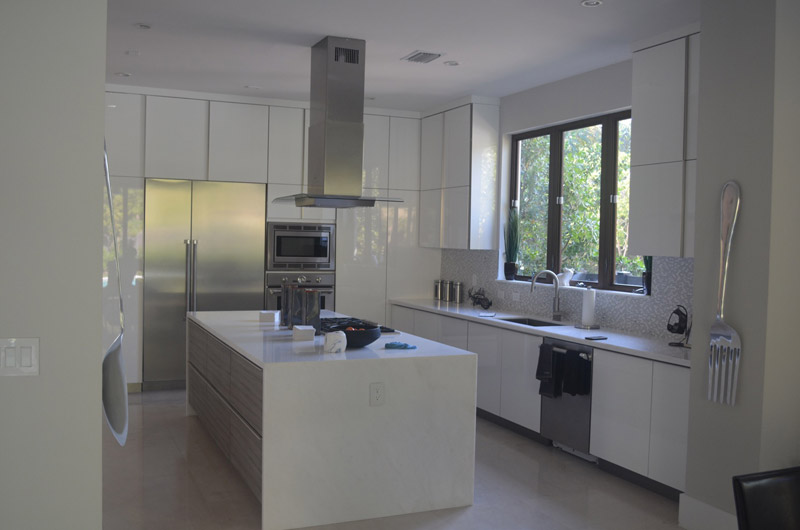 White Center Island Custom Kitchen