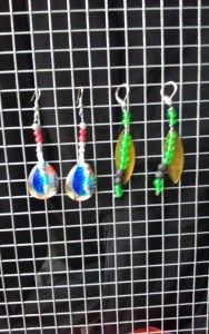 Dec.09 Class Fee $20.00 2 set of earring and a painted table sign!