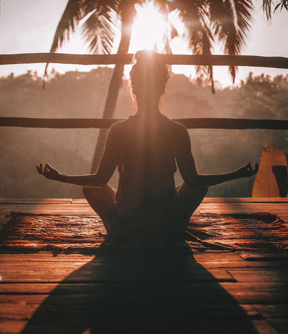 3 Tricks to Maintaining a Daily Yoga Practice when You are Flying Solo