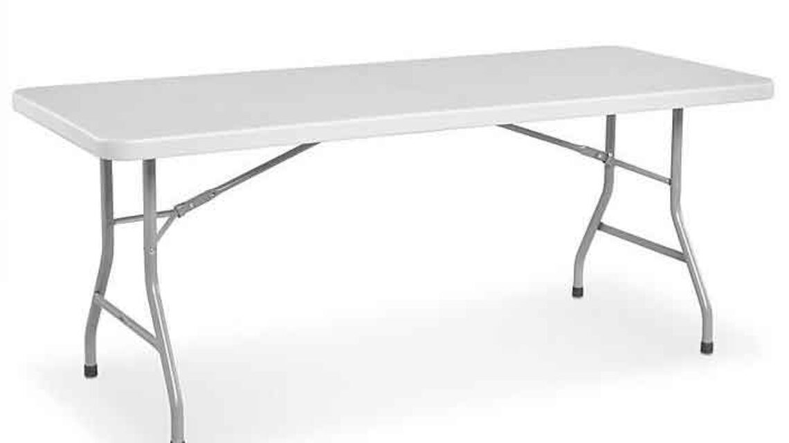 Table plastique 6′