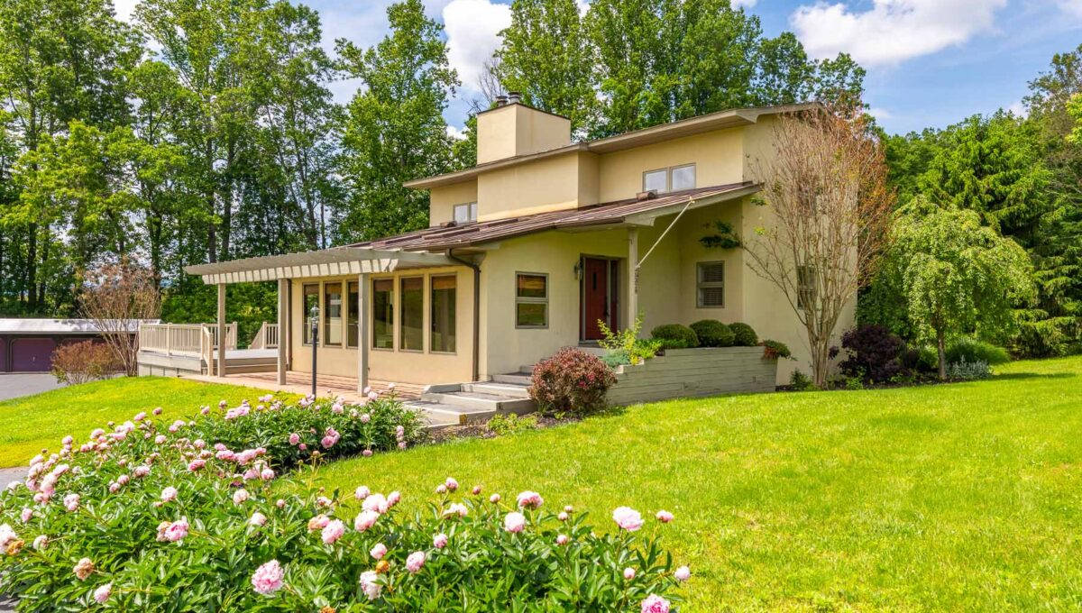 Home for Sale in Earlysville_32