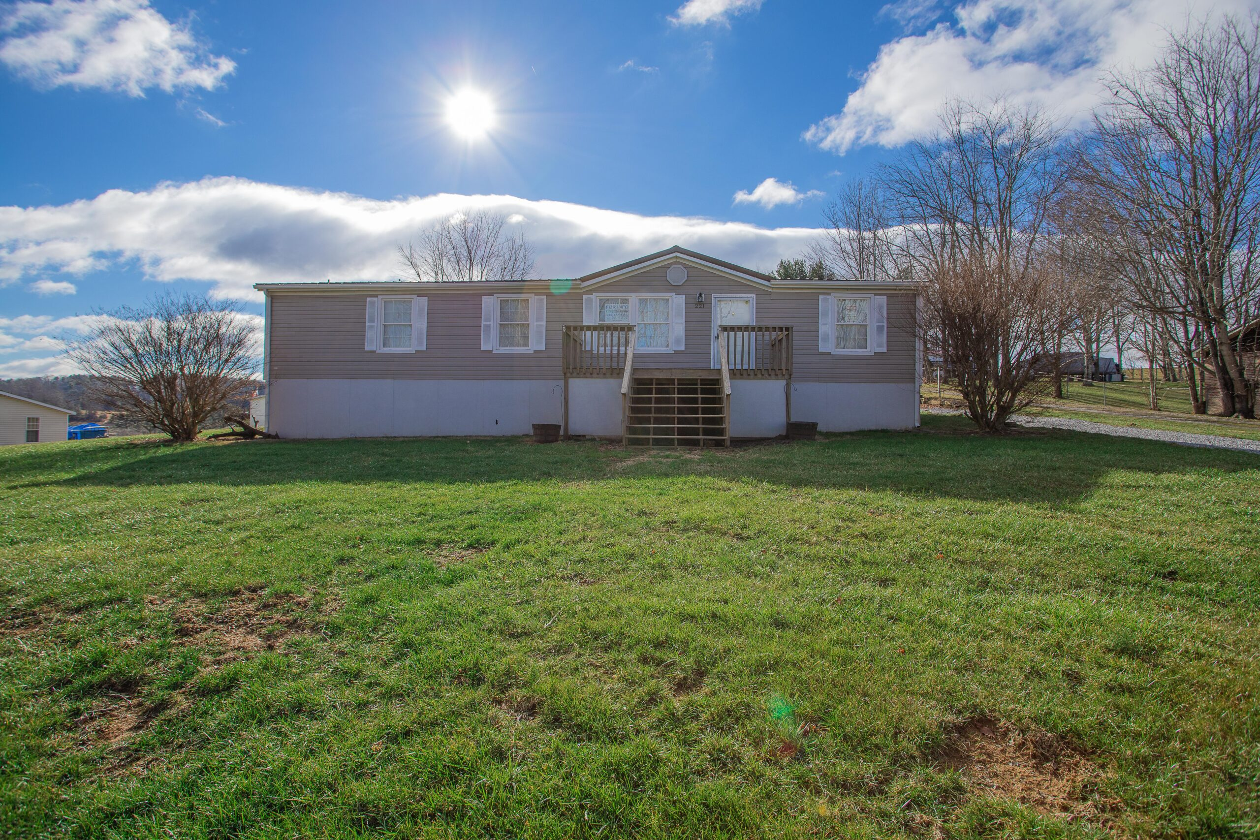 Home for Sale in Wythe County! 221 Felts Lane in Max Meadows
