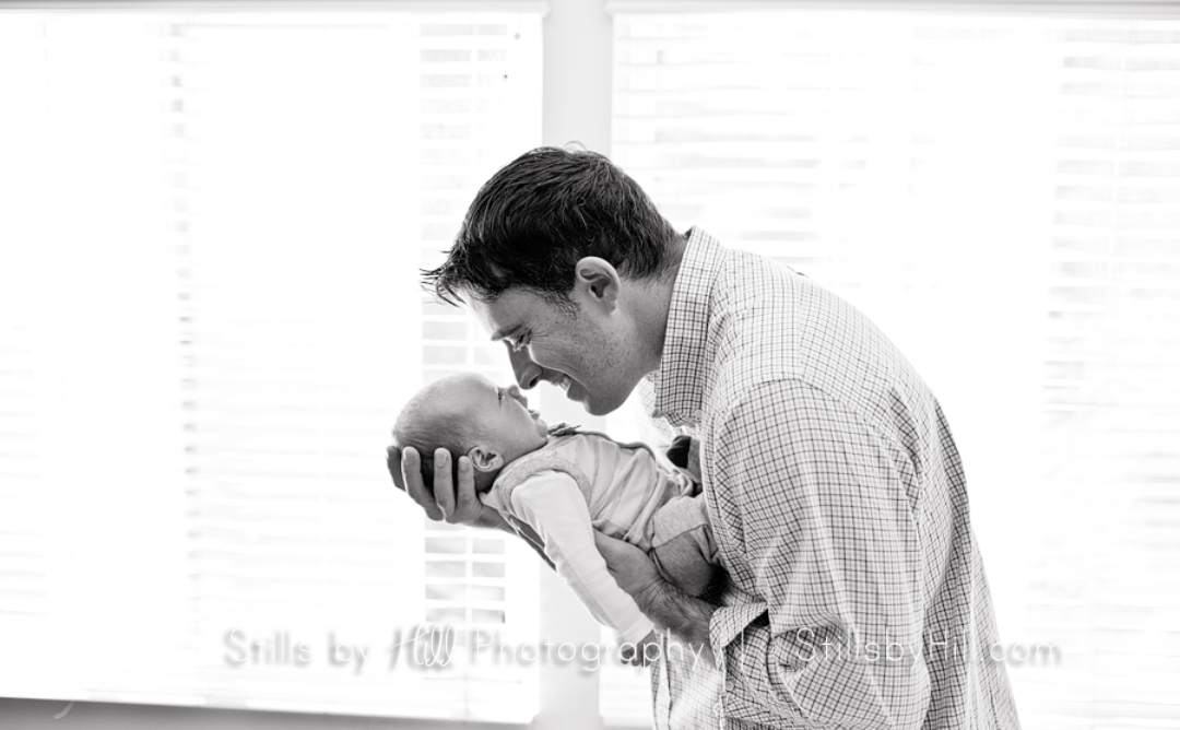 Benefits of an in home newborn portrait session
