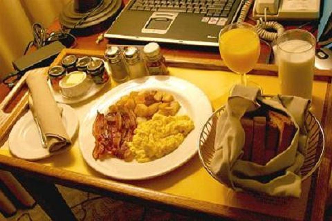 breakfast_eggs_bacon