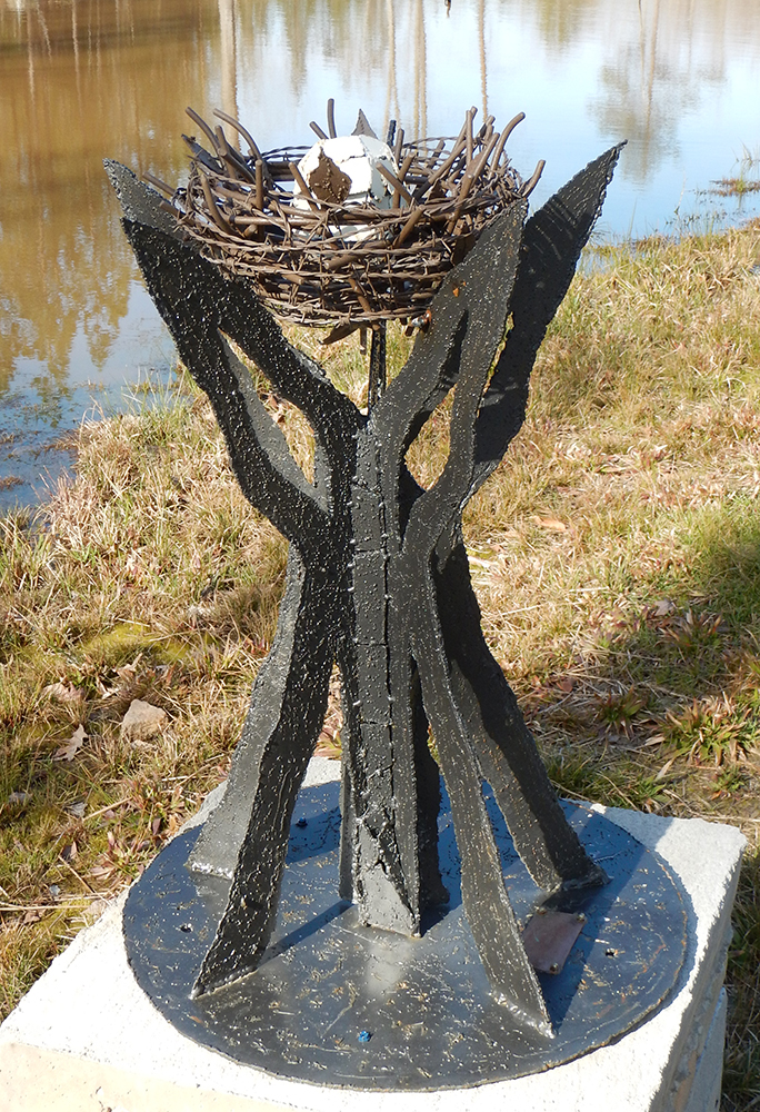 Lemuel Heida sculpture