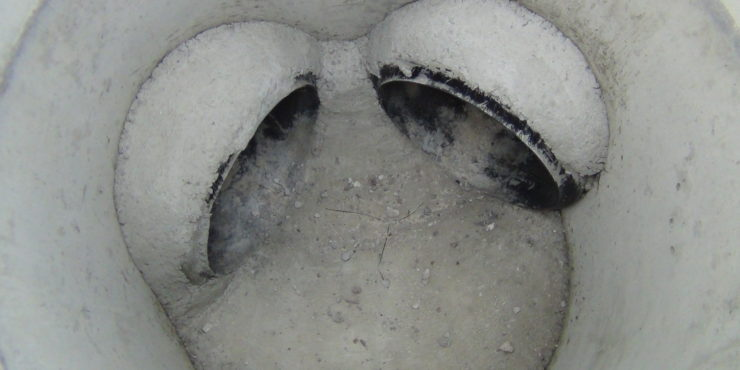 Mortaring manhole connectors