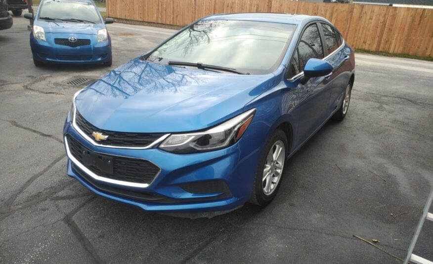 2017 Chevrolet Cruze LT – Back-up Camera, Remote Start, Bluetooth, Lane Departure Warning, Heated Seats, Moonroof