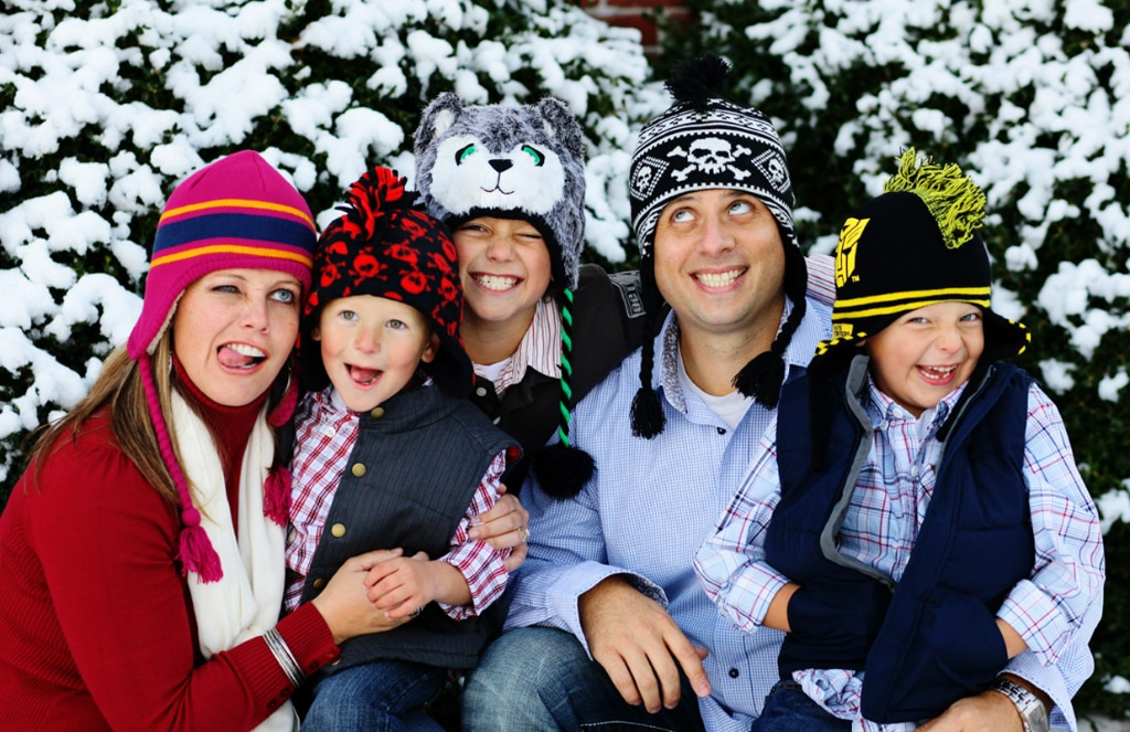 winter family pictures, family pictures snow