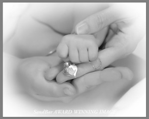 a moment in our hands ... forever in our hearts. copyRG