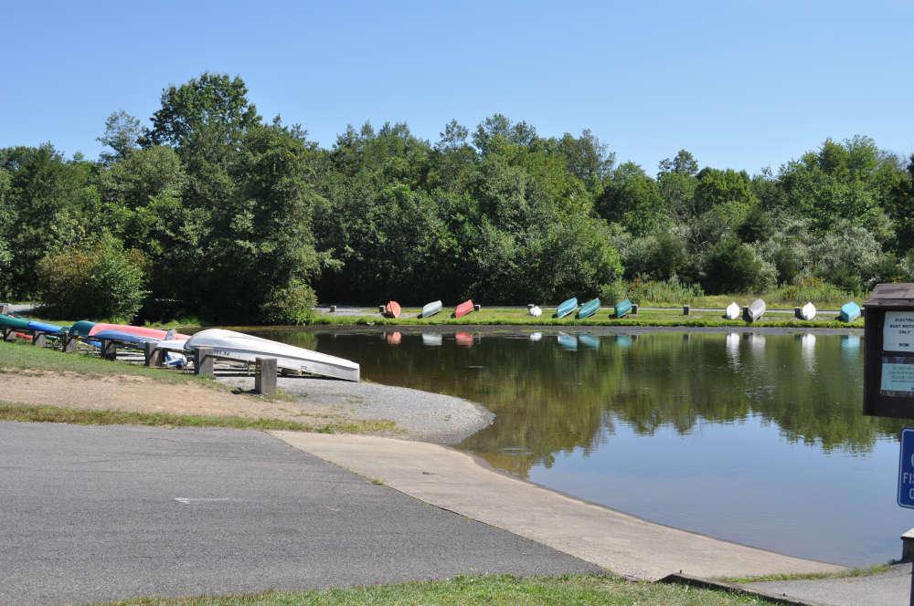 memorial-lake-boat-launch
