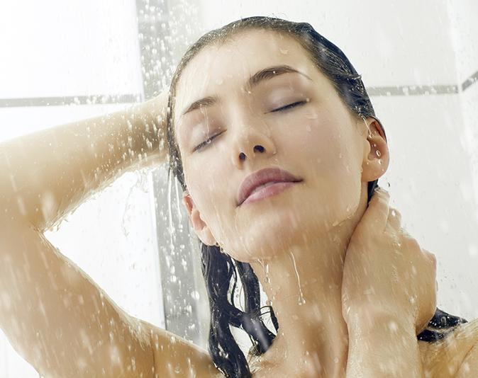 apex-shower-girl