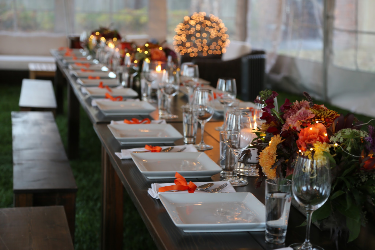 'Tis the season! We are embarking on the most wonderful time of the year! To help you take out the guess work, I am sharing my holiday entertaining tips.