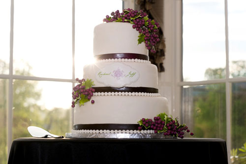 grapes-on-wedding-cake
