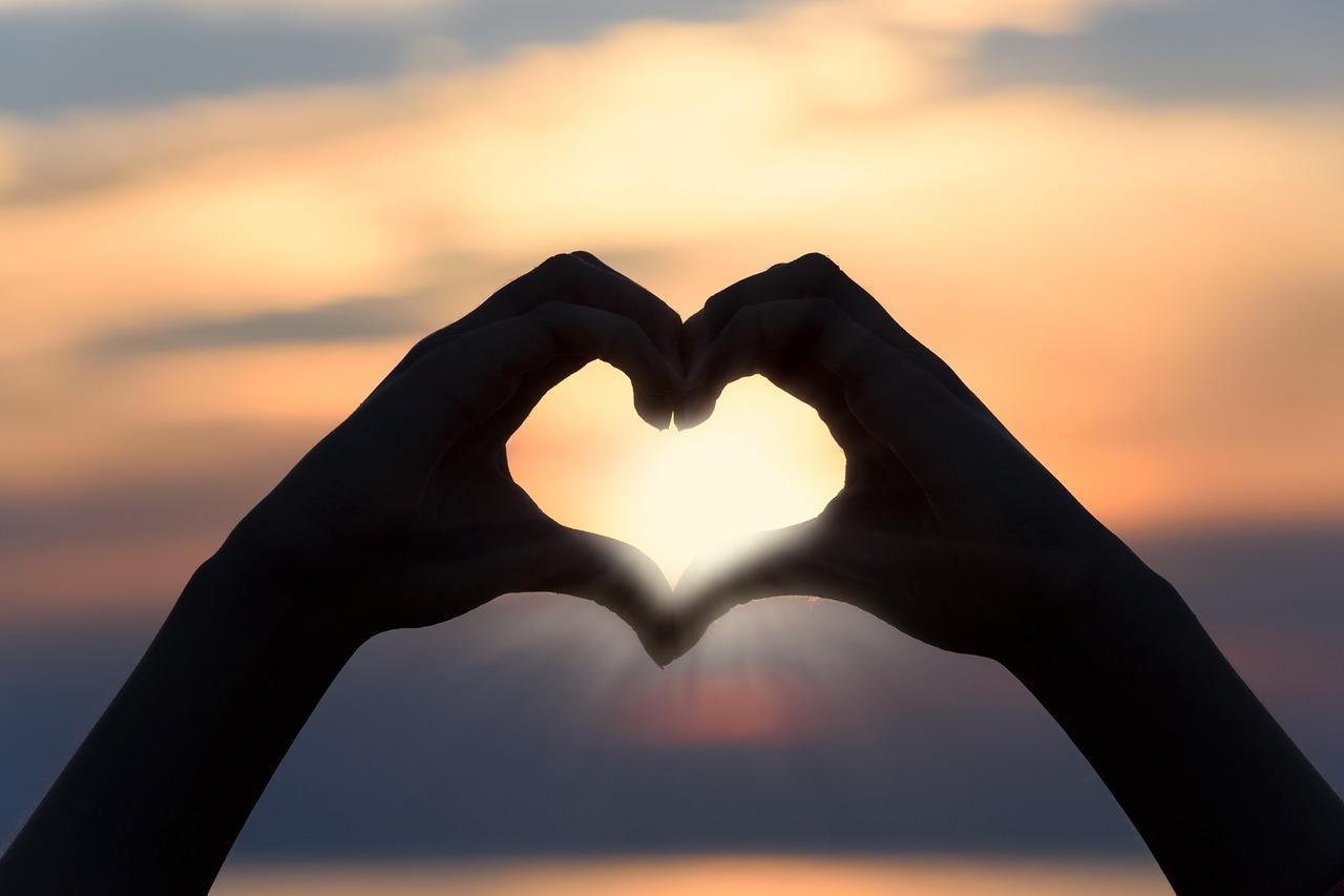 รักต้องรักให้เป็น กับวิธีดูแลความรัก ทริคความรัก