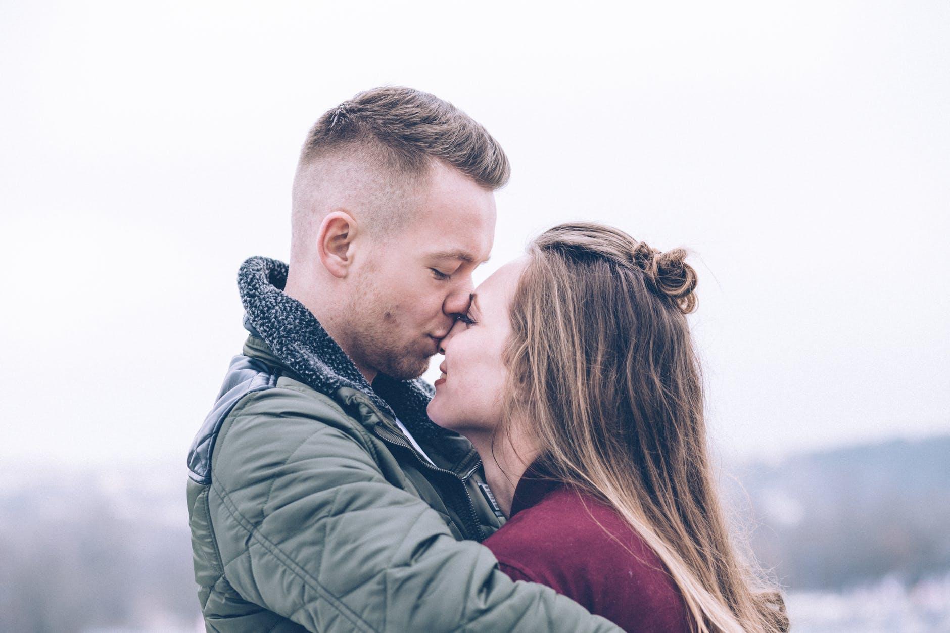 4 Sex tips : เคล็ดลับสำหรับสาวๆ ทำอย่างไรช่วยสร้างความมั่นใจให้แฟนหนุ่ม นิยามความรัก ทริคความรัก SEX
