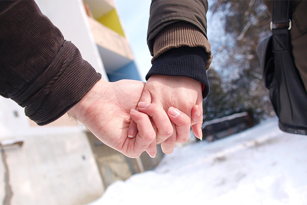 ทำไมผู้ชายมักชอบผู้หญิงที่อายุน้อยกว่า นิยามความรัก ทริคความรัก