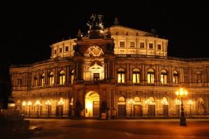 semper-opera-house-468653_1280