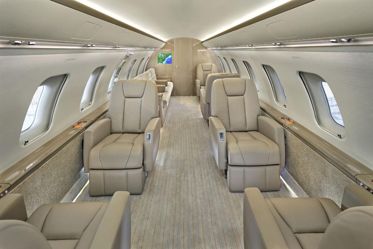 Challenger Jet 605 Interior cabin, cockpit, divan, galley, lavatory and Exterior